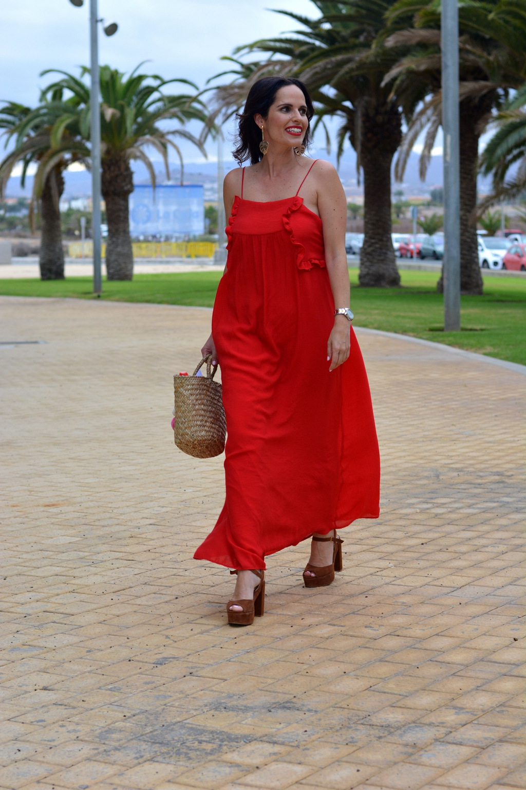 zara-red-dress-outfit-streetstyle-daily-looks