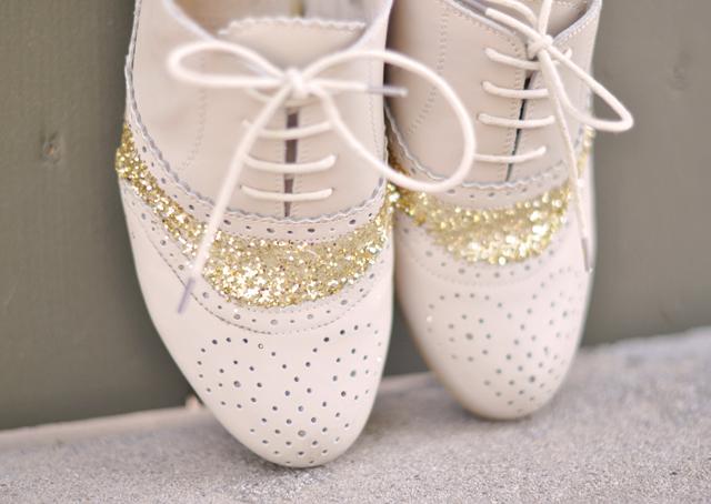 glitter shoes, glitter cap toe shoes DIY