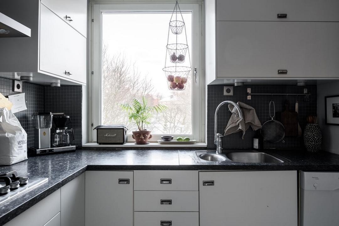 d couvrir l 39 endroit du d cor l 39 un joue l 39 autre cuisine. Black Bedroom Furniture Sets. Home Design Ideas