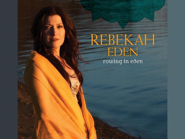 Magia y fantasía en la voz de Rebekah Eden.