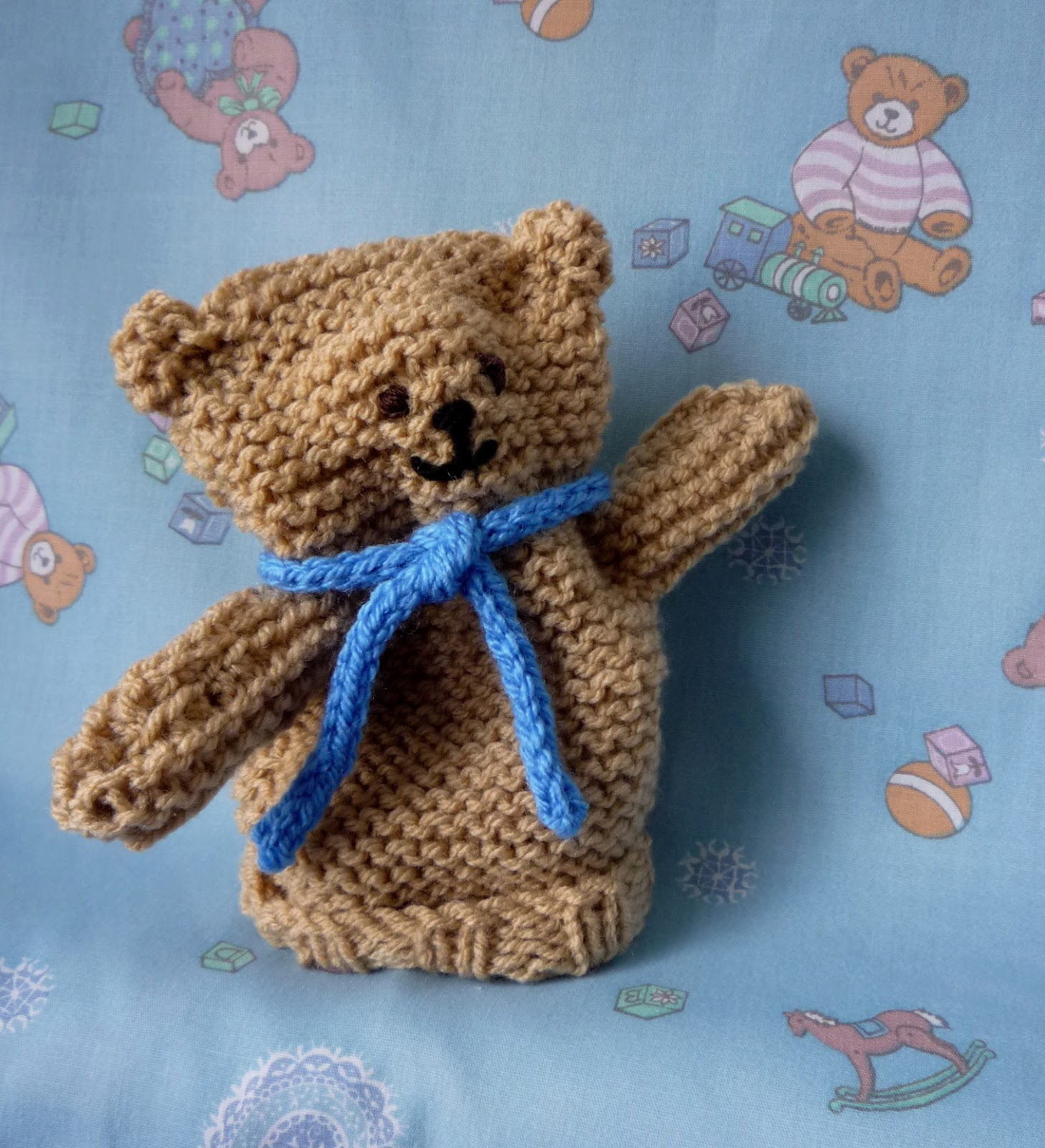 The creations of crazy dazy teddy bear puppet appeal to break the record they need more than 15534 teddy puppets and the deadline to return knitted puppets is bankloansurffo Choice Image