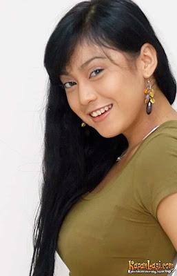 Foto Payudara Ayu Anjani
