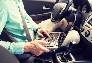 Casi la mitad de los coches particulares que se usan para viajes de negocios no se revisan regularmente