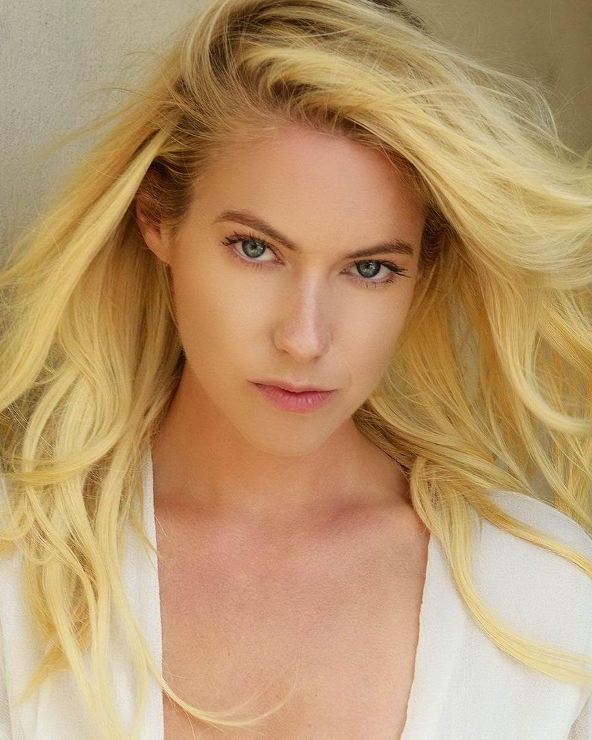Hot Laura Ramsey nude photos 2019