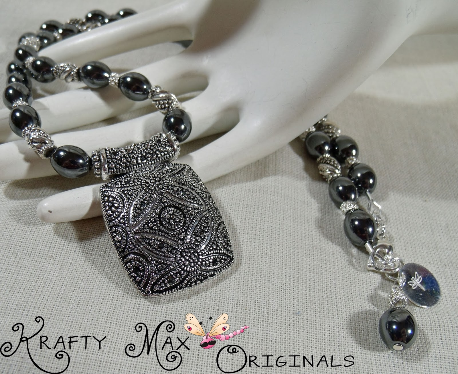 http://www.lajuliet.com/index.php/2013-01-04-15-21-51/ad/metal,94/exclusive-hematite-and-silver-beautiful-necklace-set-a-krafty-max-original-design,127