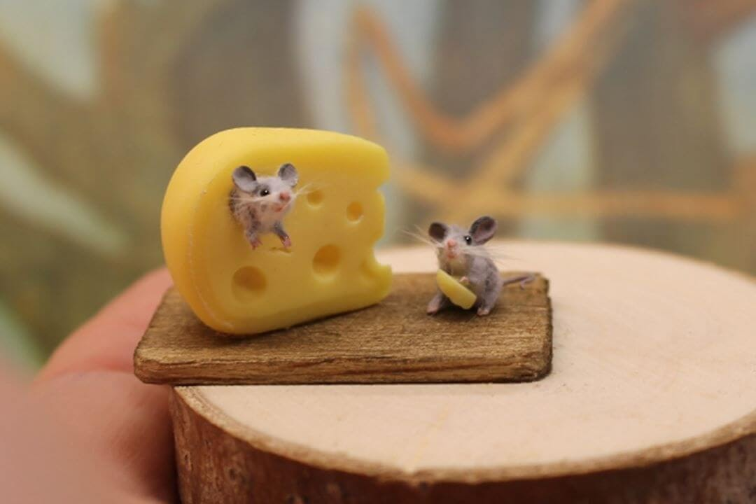 05-Mice-and-cheese-Katie-Doka-Hand-Sculpted-Dollhouse-Miniature-Animals-www-designstack-co
