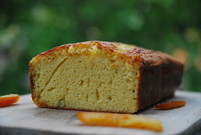 Gâteau aux écorces d'agrumes confites