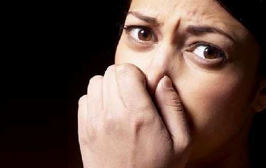 Jika kamu mengalami masalah dengan bau mulut, ini dia minuman dan makanan untuk mencegah bau mulut yang dapat kamu konsumsi.
