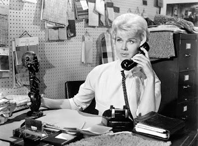 Atriz americana Doris Day em cena em 'Confidências à Meia-noite' (1959), filme pelo qual foi indicada ao Oscar — Foto: Divulgação