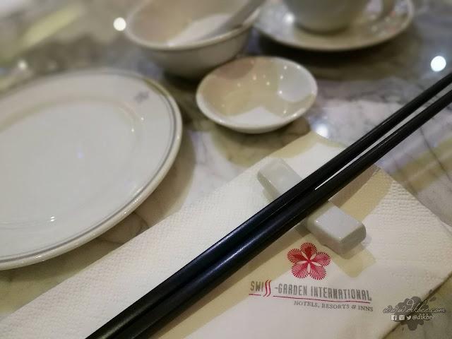 Menu Hong Kong dan Szechuan di Sino Scene Chinese Restaurant