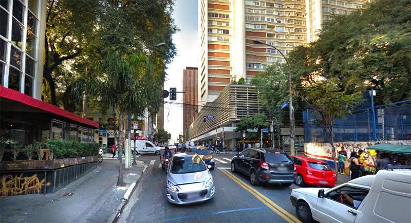 Rua Augusta esquina com Alameda Santos