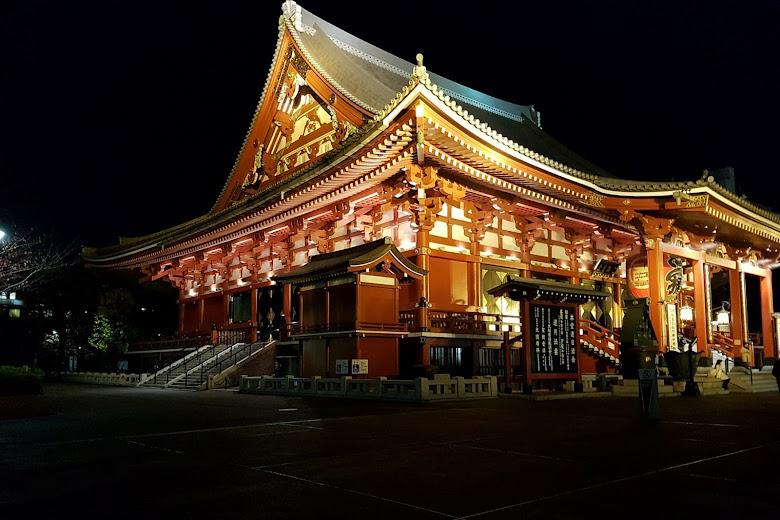 夜間的淺草寺