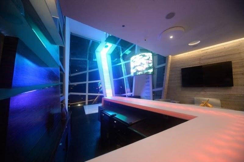 decor casa Casa Moderna e Futurista Com Muita Luz e Cor