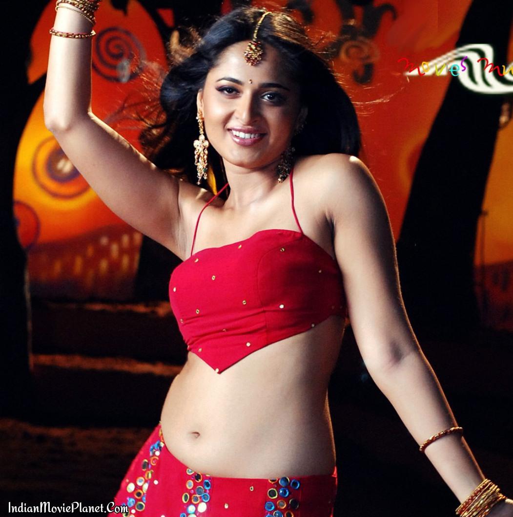 Famous heroine of bahubali film anushka whatsapp leaked to producer srireddyleaks - 1 1