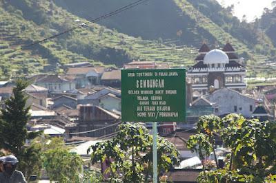 Sikunir, Sembungan Village, Desa Sembungan, Desa Tertinggi di Jawa,Desa Tertinggi di Pulau Jawa,Puncak Sikunir, Golden Sunrise,matahari terbit,puncak sikunir