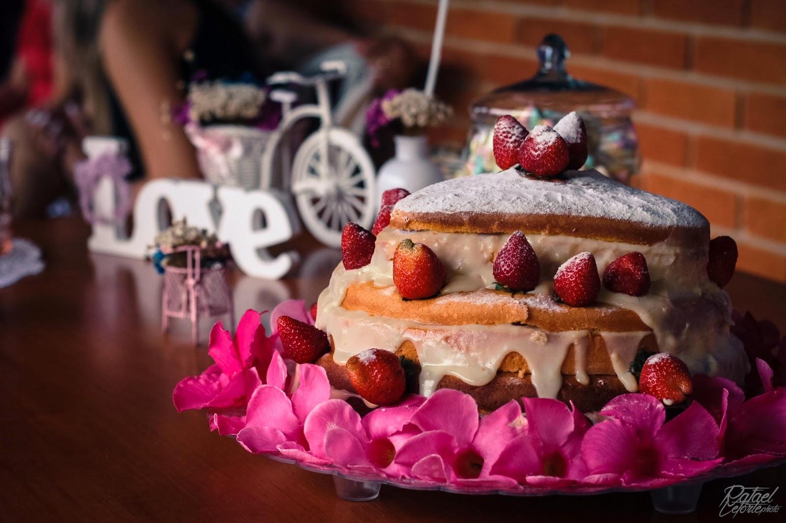 noivado-rosa-azul-decoracao-bolo-naked-cake