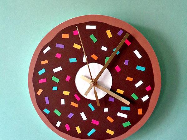 DIY: Simple To Make Donut Clock