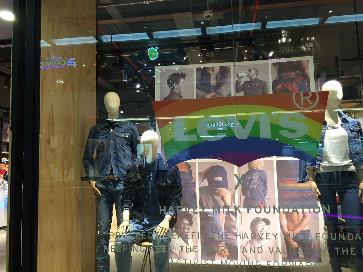 la compaa levis ha lanzado su primera coleccin mundial en la cual conmemora el mes del orgullolgbt y hace un homenaje a harvey milk