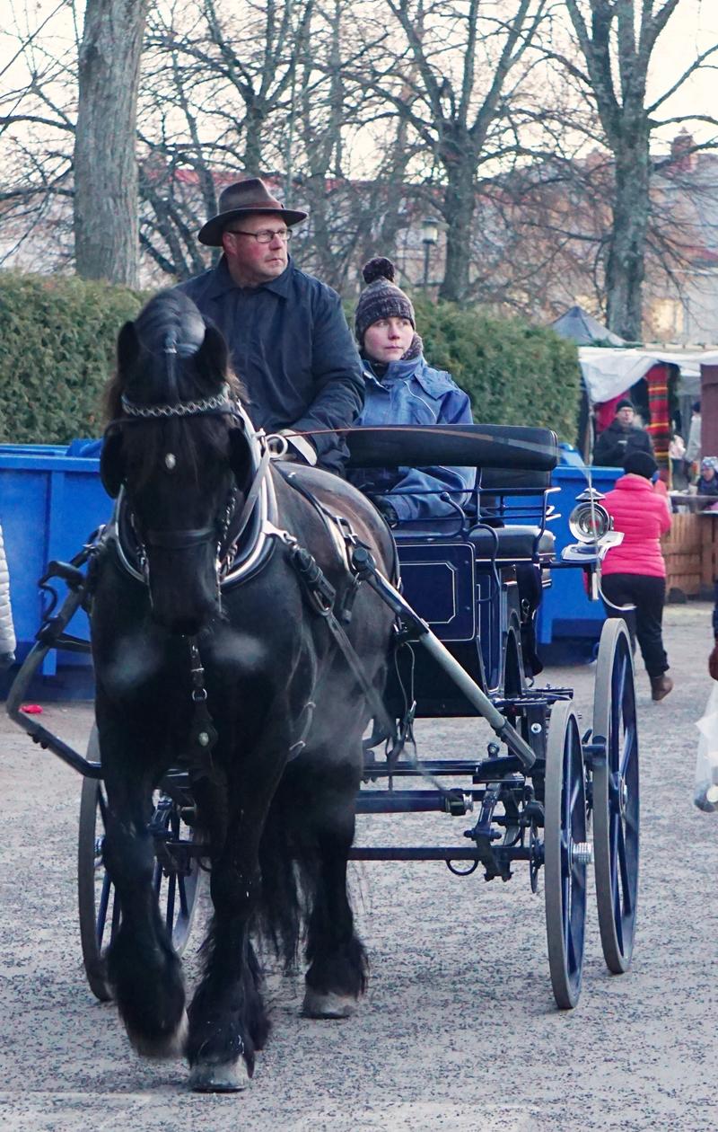 Lohja, joulumarkkinat, hevosajelu