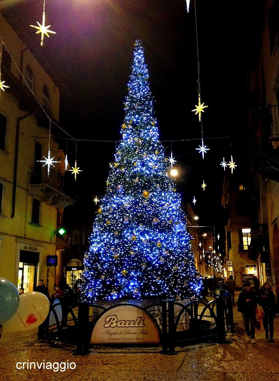 Stella Di Natale A Verona.Verona A Passo Di Bimbo Crinviaggio