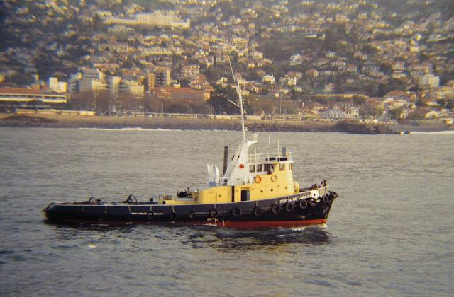 old photo: I have many memories of Ponta do Garajau tug