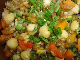 Guiso de garbanzos con verduras al curry