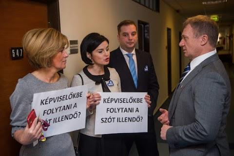 Az MSZP külföldi kampánya nem a Kárpát-medencei magyaroknak szól