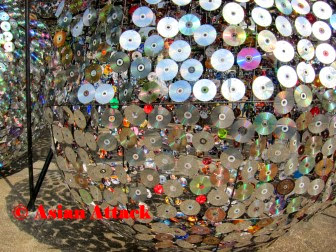 How to Recycle: Re-used CD's Christmas Trees