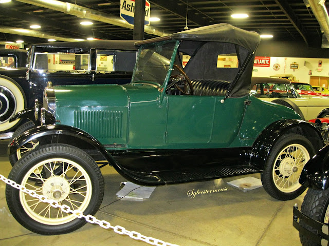 Ford Model T - Photo by Sylvestermouse