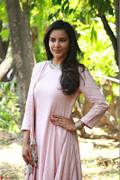 Priya Anand in simply Pink at an interview for movie KOOTATHIL ORUTHAN~  Exclusive celebrities galleries 011.jpg