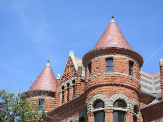 richardsonian romanesque architecture