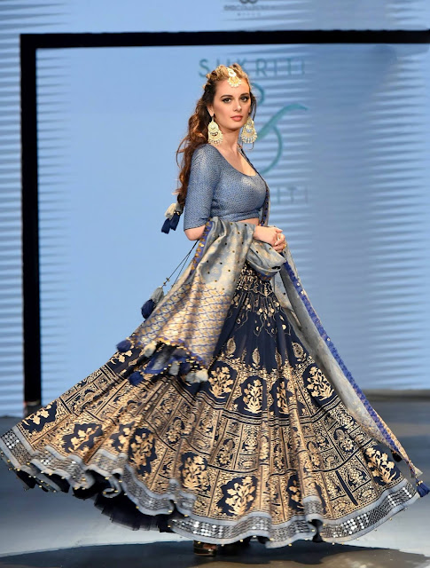 Awesome Blue lehenga choli for bride with dupatta