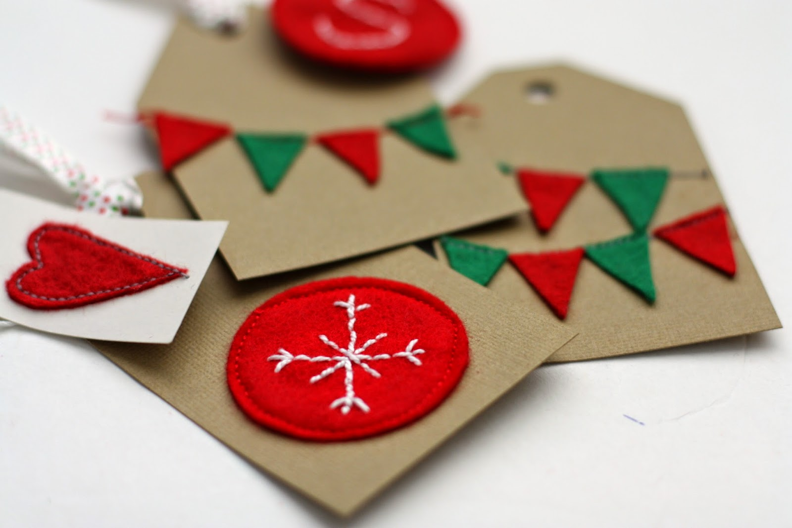 sew amazing giveaway and felt gift tags tutorial - Christmas Tags Handmade