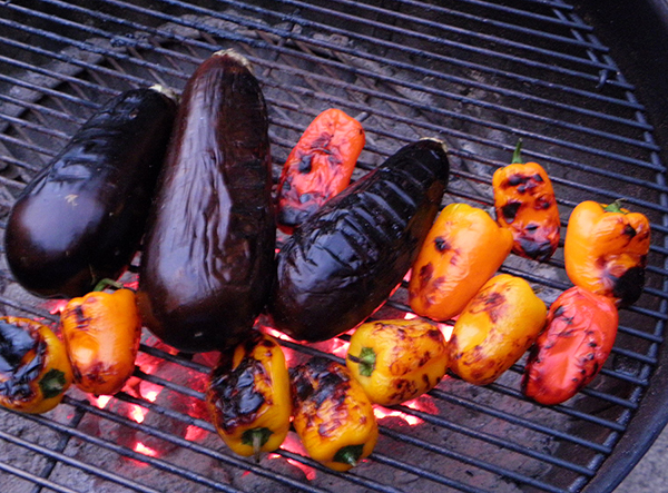Mini bells and eggplants grilling