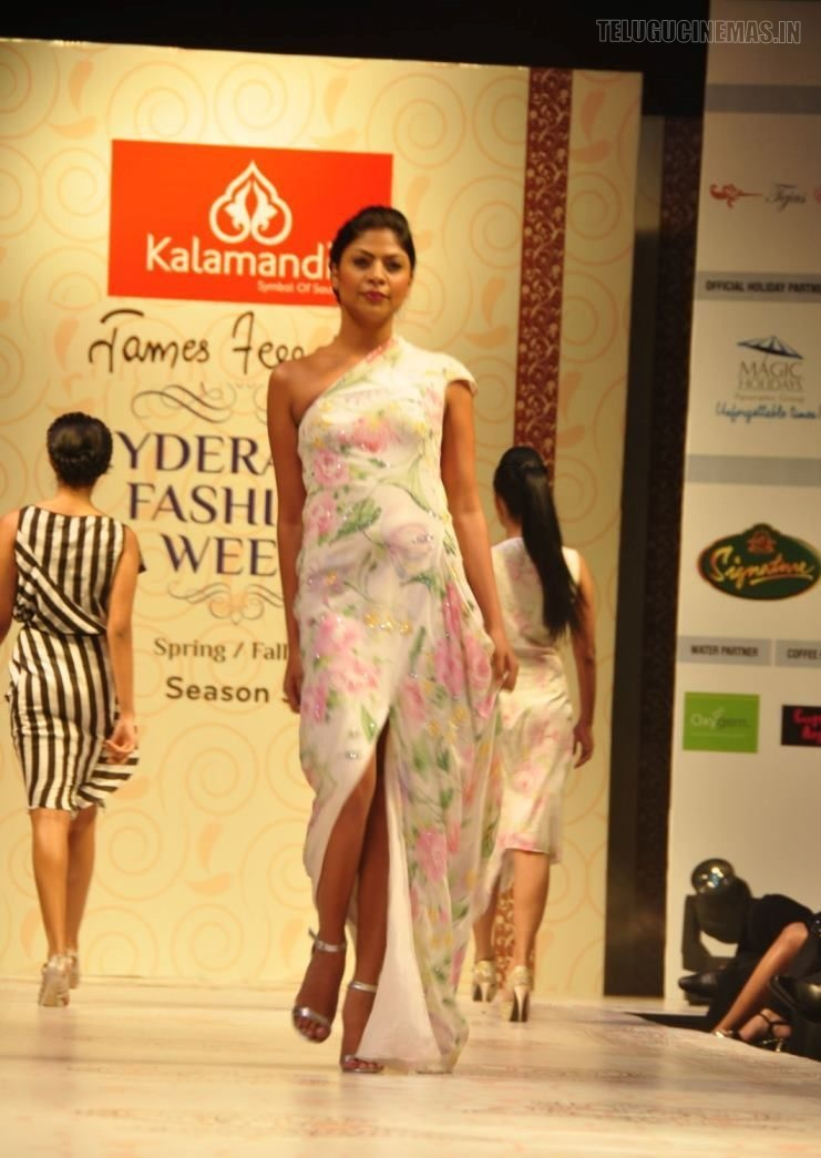 Kalamandir Hyderabad Fashion Week Season 3 Photos-Telugucinemas in