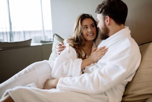 Malam Pertama Itu Pasti Menyenangkan, Tapi 5 Hal Ini Jangan Dilupakan Meski Istri Sudah Kebelet