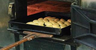 Το «μνημείο» της Αθήνας που φτιάχνει την πιο ιστορική τυρόπιτα στην πόλη