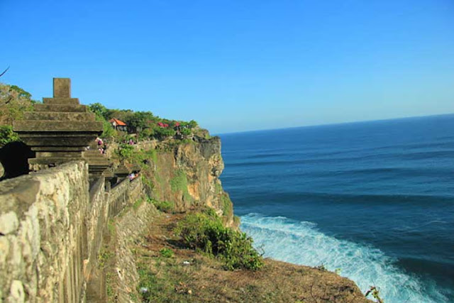 uluwatu temple,uluwatu,uluwatu temple bali,uluwatu bali,temple,pura luhur uluwatu (location),bali uluwatu temple,balinese temple (location),bali,bali temple,uluwatu temple tour,uluwatu temple vlog,pura uluwatu temple,uluwatu temple dance,uluwatu temple beach,uluwatu temple sunset,uluwatu kecak dance,uluwatu holy temple bali,indonesia uluwatu temple,uluwatu tample bali,uluwatu surf,bali uluwatu