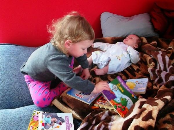 dzieci, rodzeństwo, wspólna zabawa, rok po roku, książeczki