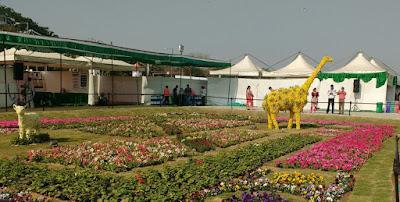 giraffe flower statue ahmedabad