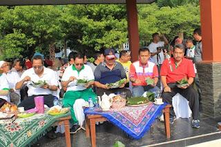Sediakan 2500 Nasi Bungkus, Walikota Pekalongan Ajak Sarapan Bareng Warga