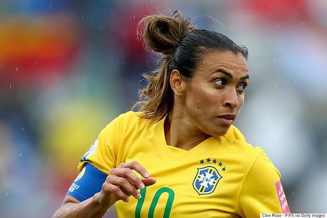 Jogadora  Marta revela que suposto anúncio de 'aposentadoria' era publicidade de série