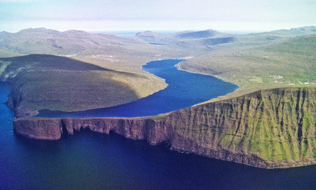 Leitisvatn lake - Faroe Islands - Dinamarca