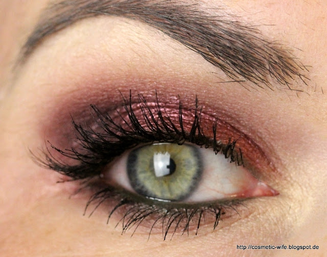 "Looks mit der MAC ""Burgundy Times Nine"""