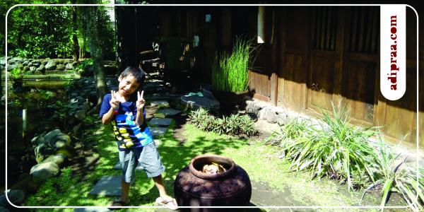 Selfie di komplek Tembi Rumah Budaya | adipraa.com