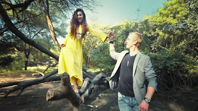 Adorable-Aashka-Goradia-and-Brent-Goble-shoot-for-a-unique-pre-wedding-music-video