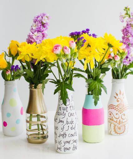 Contoh kreasi Vas Cantik dari Botol bekas