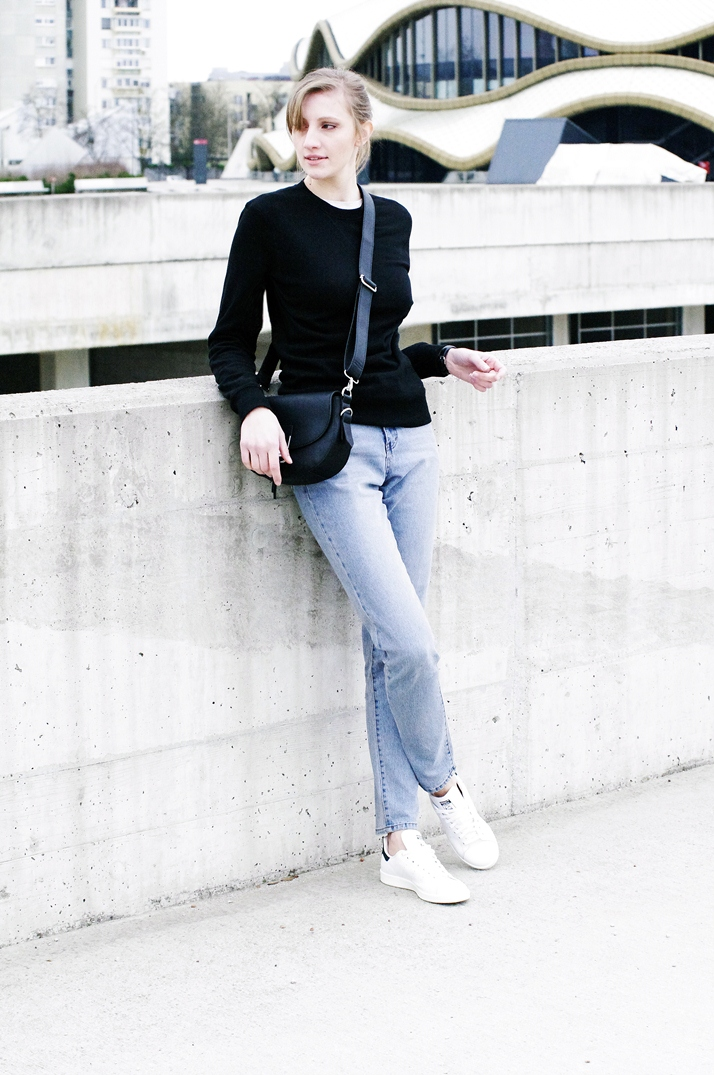 cheap monday donna mom jeans, donna dream, stan smith adidas, basic outfit, minimalistic style