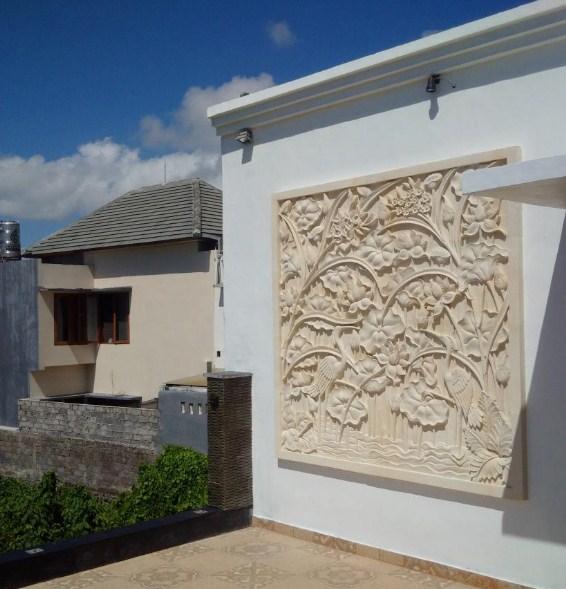 Model Relief Rumah Minimalis