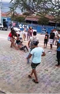 Aluna é covardemente agredida em frente à escola estadual em Soledade; veja o vídeo